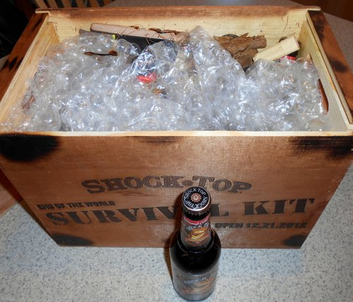 Shock Top End of the World Survival Kit - opening